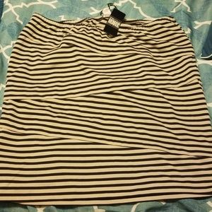 **NWT**Adorable Pencil Skirt Size 24W